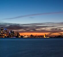 cloud streaks over Sydney by Martin Pot