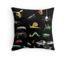 Creatures wallpaper Throw Pillow