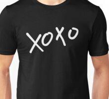 xoxo white Unisex T-Shirt