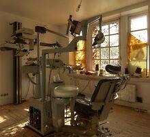The Dentist by yanshee