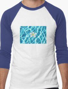 Frangipani flower in the swimming pool Men's Baseball ¾ T-Shirt