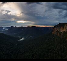 Grose Valley Panorama by Robert Mullner