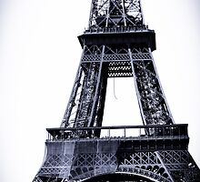 Base of Eiffel Tower by kbudz