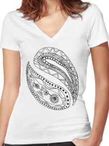 Black and White Paisley Pattern Women's Fitted V-Neck T-Shirt