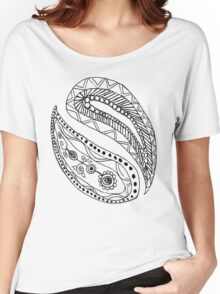 Black and White Paisley Pattern Women's Relaxed Fit T-Shirt