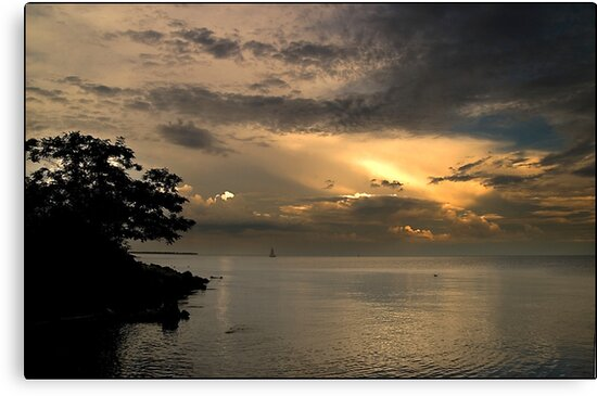 Twilight on Lake Ontario, Ontario Canada by Eros Fiacconi (Sooboy)