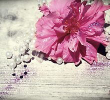 A Splash Of Pearls And Pixie Dust by CarlyMarie