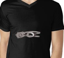 """lost"" Captin goggles Mens V-Neck T-Shirt"