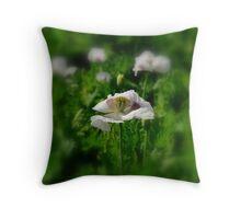 Tas, Prephriun-Poppies Farm Throw Pillow