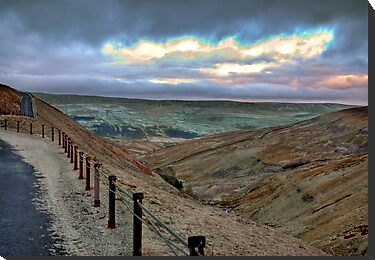 Swaledale from Buttertubs Pass by Trevor Kersley
