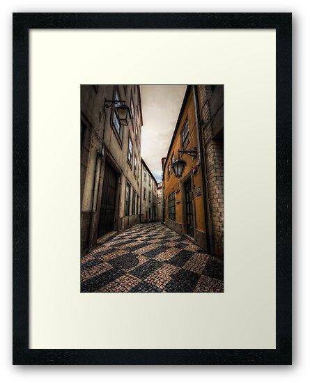 Alley of the Broken Hearts by damien-c