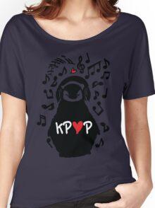 Penguin listen to kpop Women's Relaxed Fit T-Shirt