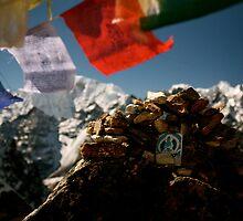 Buddha Image on Renjo Pass by Zarandona