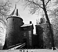 Snowy Castell Coch by Sadie Hughes