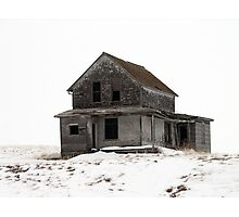 abandoned house on the prairies Photographic Print