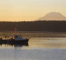 Quiet sunrise on the water by Rainydayphotos