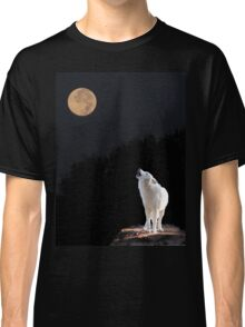 Wolf Howling at the Moon Classic T-Shirt