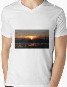 Red Sky Mens V-Neck T-Shirt