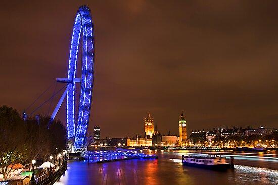 Night falls on the capital by Shaun Whiteman