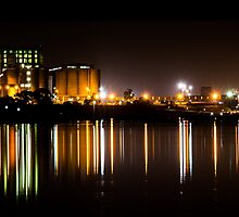 Geelong Waterfront - Grain Corp at Night by forgantly
