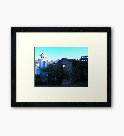 Pedazos de Historia..... Framed Print