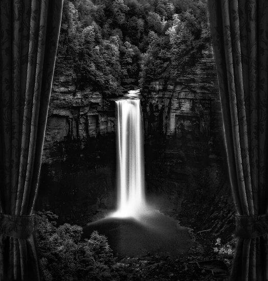 Taughanock Falls by PhotomasWorld