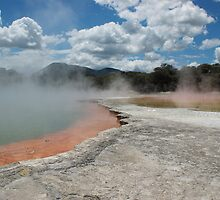 Champagne Pool by herbiefraser