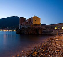levanto at night, italy by Ian Middleton