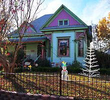 Old Home ready for Christmas in Waxahachie, TX by plsphoto
