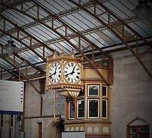 Clock in Perth Station by Kerry  Becker