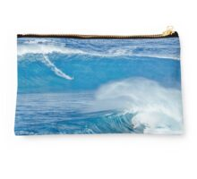 Double Jaws Wave Clutch Studio Pouch