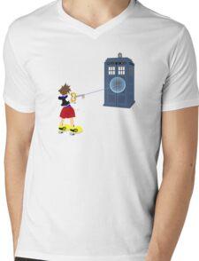 Sealing the TARDIS Mens V-Neck T-Shirt