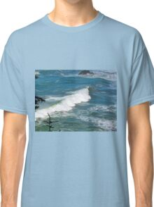 A blue berry sea Classic T-Shirt