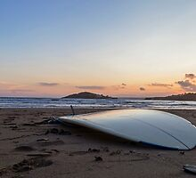 Surfboard beach by Sebastien Coell