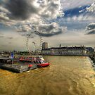 River Thames, London by Yhun Suarez