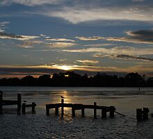 Budgewoi lake,,9-11-2010.Sunrise.No2. by Warren  Patten