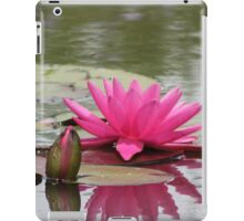 Bright Pink Waterlily and Bud iPad Case/Skin