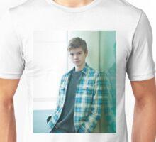 Thomas Brodie-Sangster 12 Unisex T-Shirt