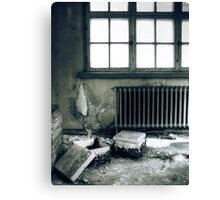 12.12.2010: Lights Out II Canvas Print