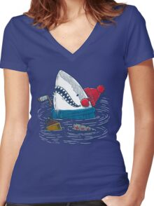 Great White North Shark Women's Fitted V-Neck T-Shirt