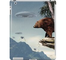 Do Aliens Get Grizzly? iPad Case/Skin