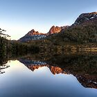 The Glass Lake by fiona-gumboots