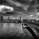 Palace Of Westminster  by Yhun Suarez
