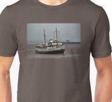 MV Balmoral Approaches Lydney Harbour Unisex T-Shirt