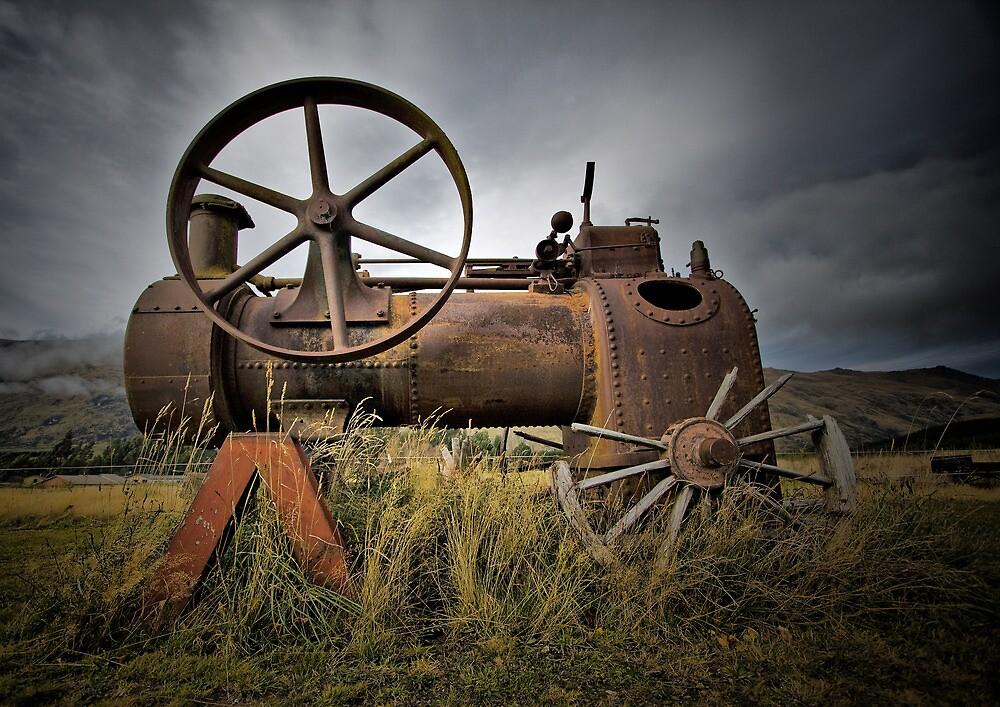 Steam Train, Kingston, New Zealand by Philip Hallam