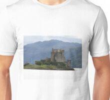 Eilean Donan castle, Dornie, Kyle of Lochalsh Unisex T-Shirt