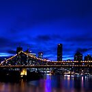 Brisbane after dark.. by Peter Doré