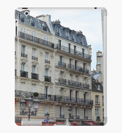 Paris buildings iPad Case/Skin