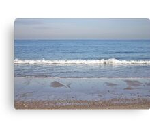 Deep blue ocean and waves Canvas Print