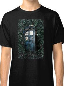 Police Box in The Garden Hoodie / T-shirt Classic T-Shirt